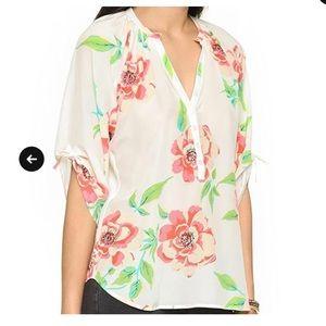 🌵 Yumi Kim White Rosebud Floral Blouse. Size XS.